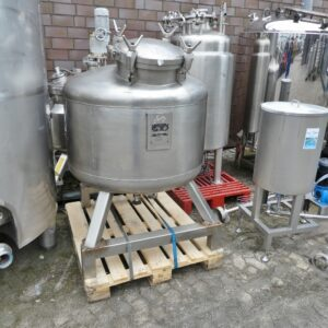 590 liter tank i Syrafast 316